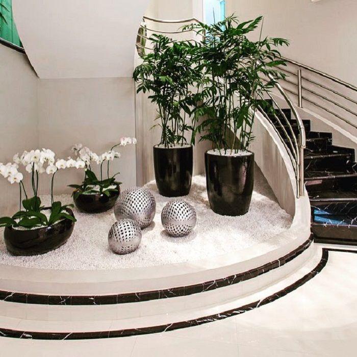 Красивое и очень оригинальное решение украсить обстановку в доме с помощью симпатичного мини-сада, что вдохновит.