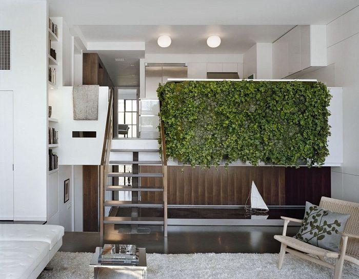 Хорошенький вариант создать прекрасную зеленую стену, что понравится и точно вдохновит.