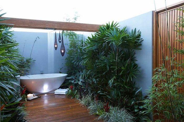 Очень крутое и необычное решение разместить мини-сад в ванной комнате, что выглядит незабываемо.