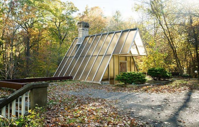 A-frame Home е къща, скрита в гората.