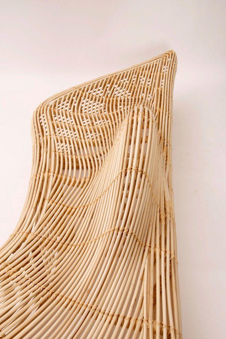 Тъкане на прекрасна пейка от ратан