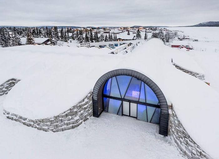 Icehotel 365 - ледяной отель, который не тает даже летом.