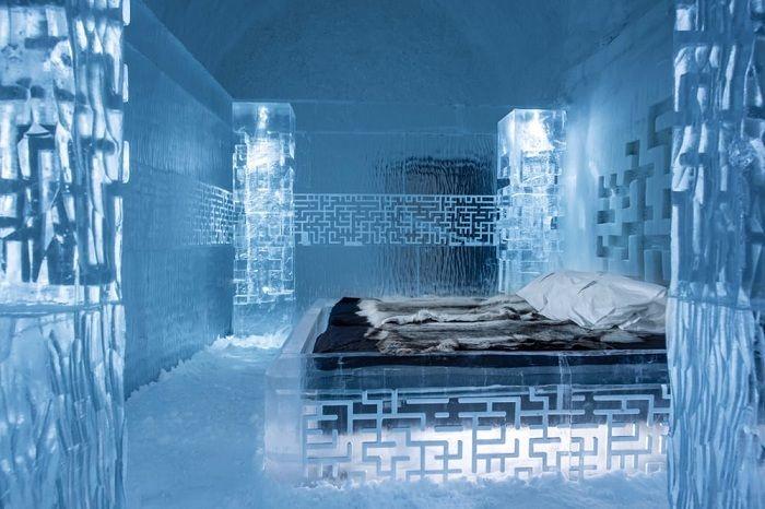 Icehotel 365. Ледяная кровать.