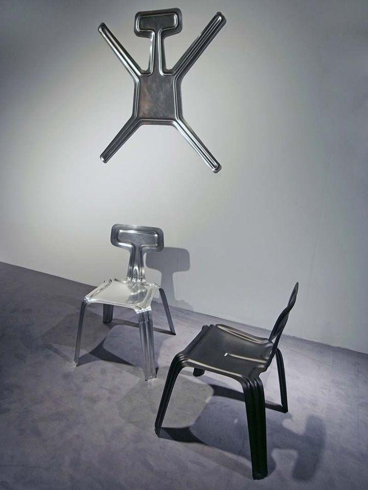 Прекрасни столове в стаята