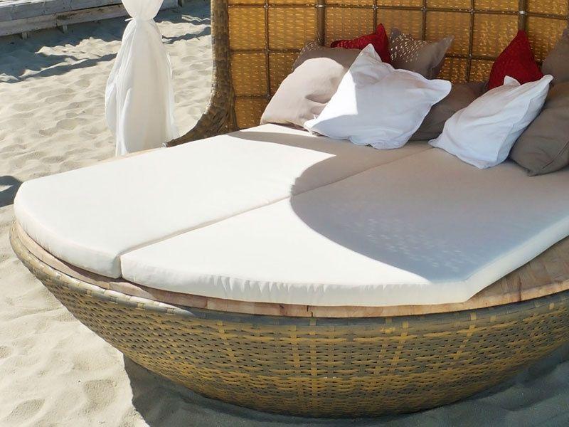Великолепный домик для пляжа с мягкими лежаками