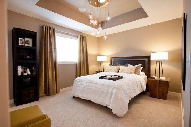 Как да украсите таван на две нива в спалня