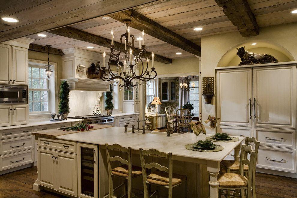 Восхитительная люстра в интерьере кухни