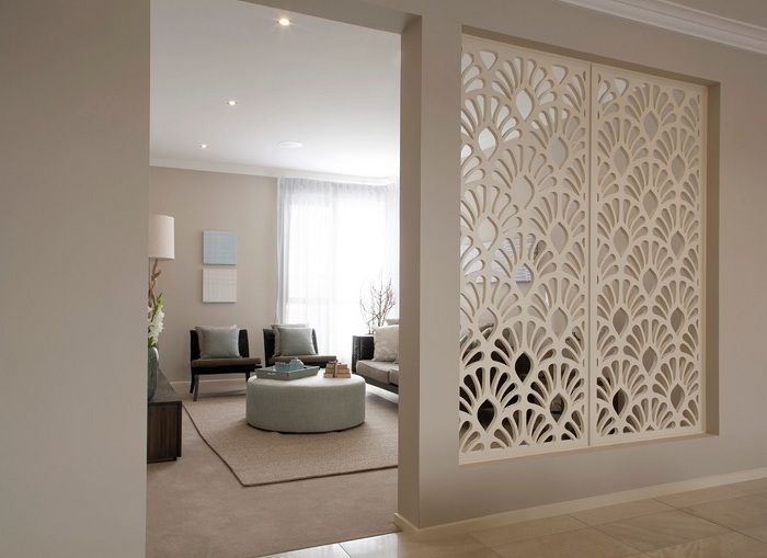 Най-доброто решение е да украсите стая с преграда, която оптимизира пространството на къщата.