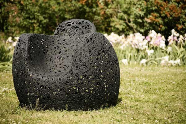 Unik lenestol laget av basalt