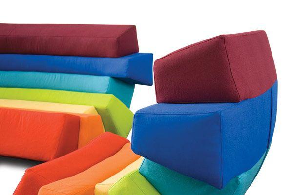 Уникальные спинки дизайнерского дивана и кресла