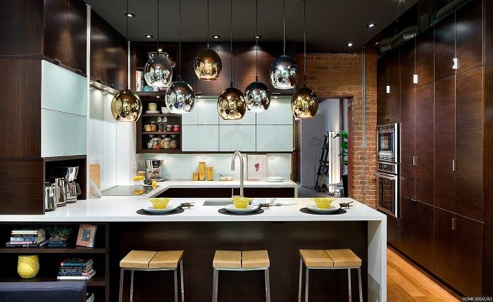 Söpö keittiön sisustus ruskeissa sävyissä, joka inspiroi ja on hieno ratkaisu.