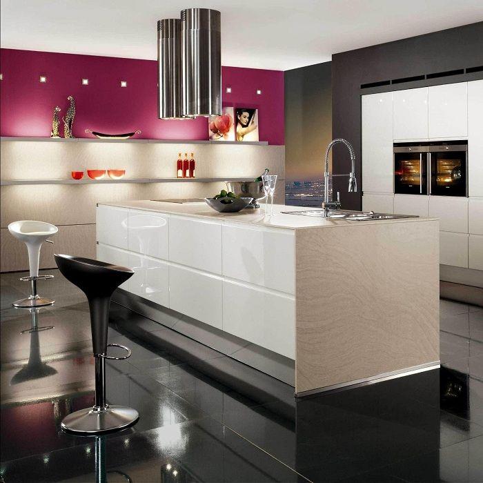 Viileä keittiösuunnittelu moderneissa suuntauksissa, mikä inspiroi varmasti suuria suunnittelukokeita.