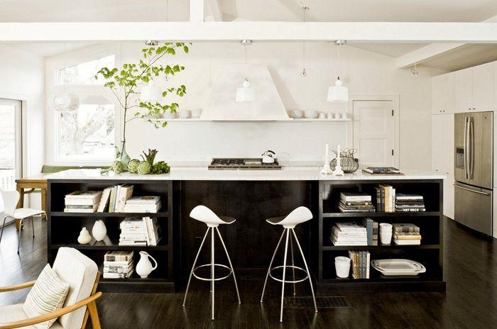 Отличен вариант за декориране на кухня в черно и бяло, което ще бъде просто невероятна опция за декор.