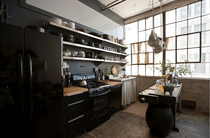 Divisez visuellement la cuisine en deux moitiés, ce qui peut être encore plus étonnant et original.