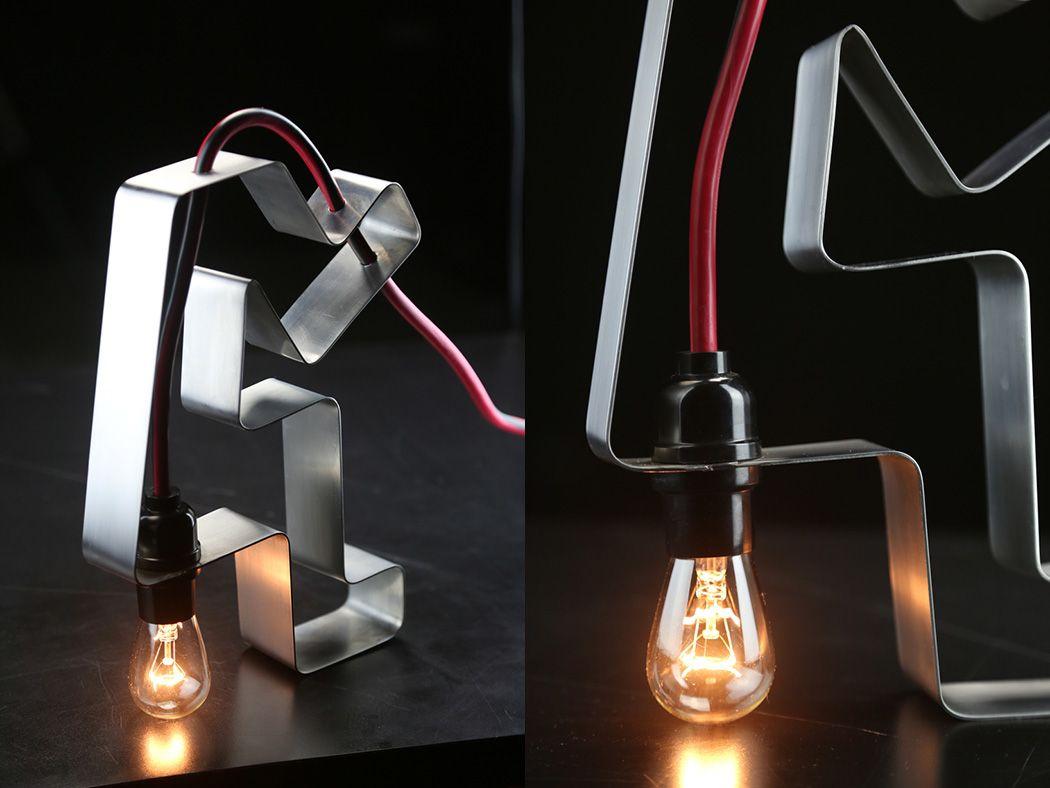 Креативная настольная лампа