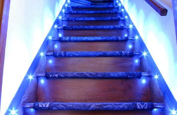 Восхитительное освещение лестничного проема