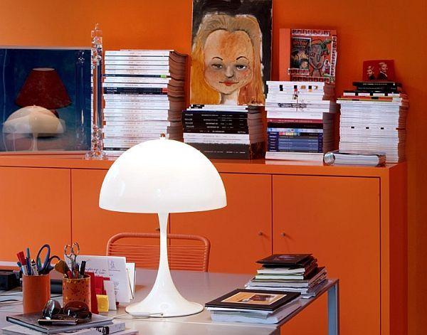 Настолна лампа за удобно четене