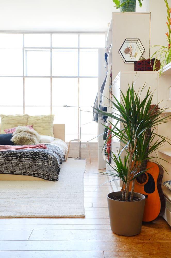 Loftmøbler: hvit garderobe