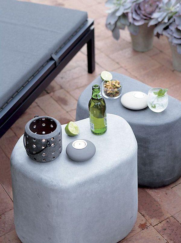 Дизайнерские стулья в форме камней