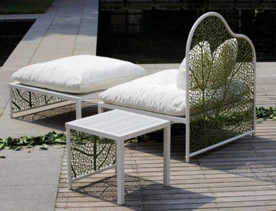 Mobilier de jardin blanc