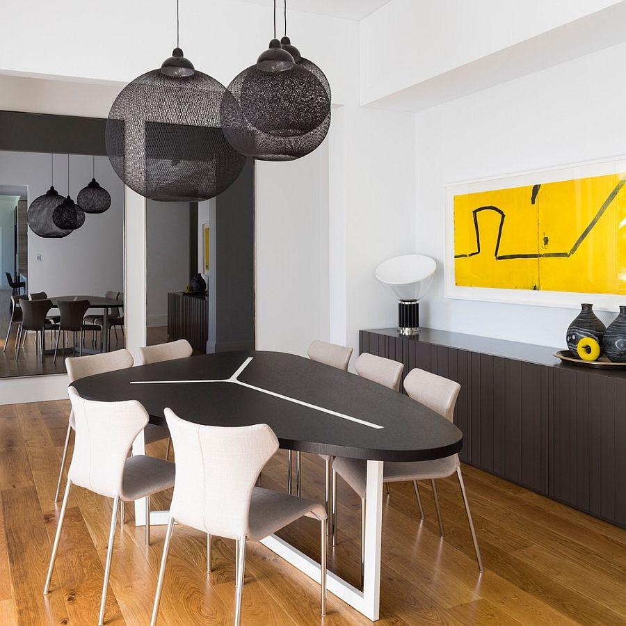 Светильники Moooi Non Random Lights в столовой от D'Cruz Design Group