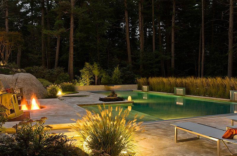 Красивое освещение бассейна
