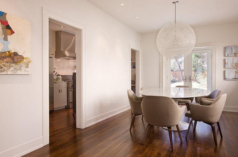 Gjennomsiktig hvit lampe i interiøret