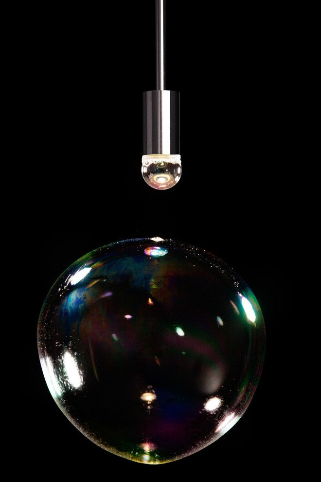 Восхитительная лампа Surface Tension от Front for Booo в форме мыльного пузыря