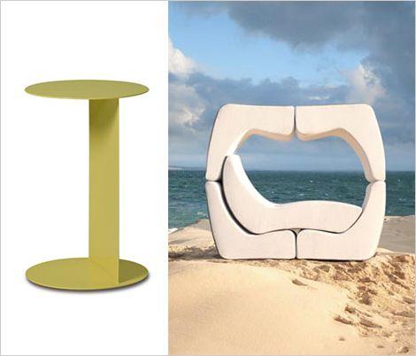 Beaux meubles pliants sur la plage