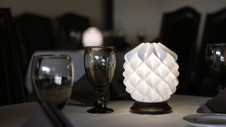 Настольная лампа Kiem в виде шишки