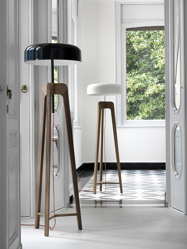 Прекрасни подови лампи в хола