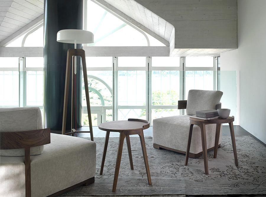 Невероятна подова лампа в хола