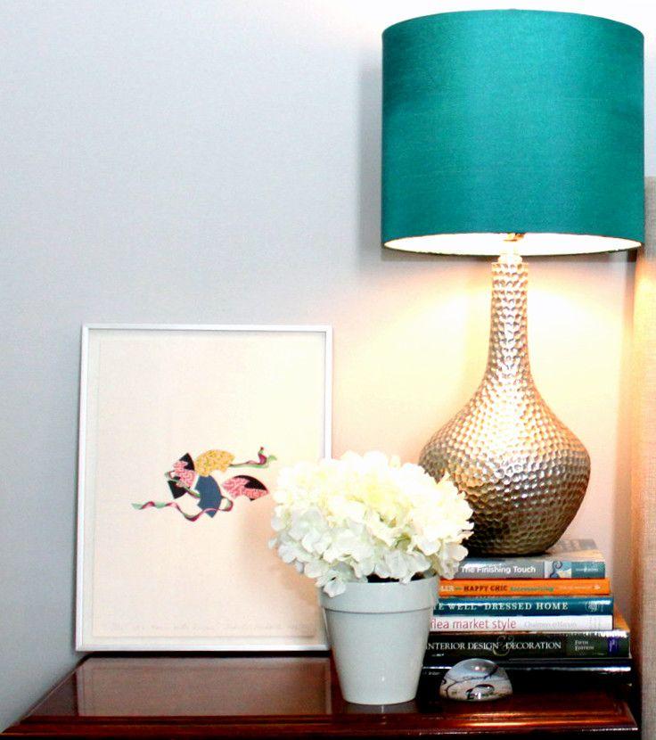 Настольная лампа в ярком цвете