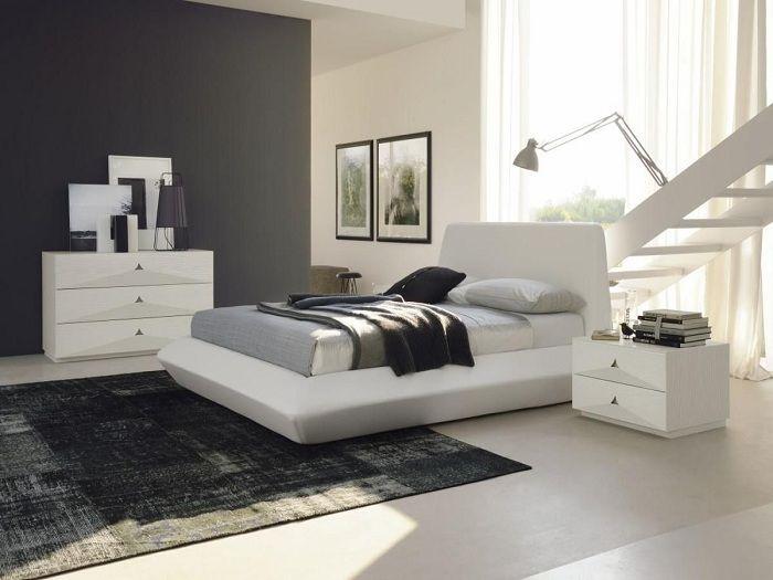 Интересен вариант за декориране на спалня в класически черно-бели цветове.