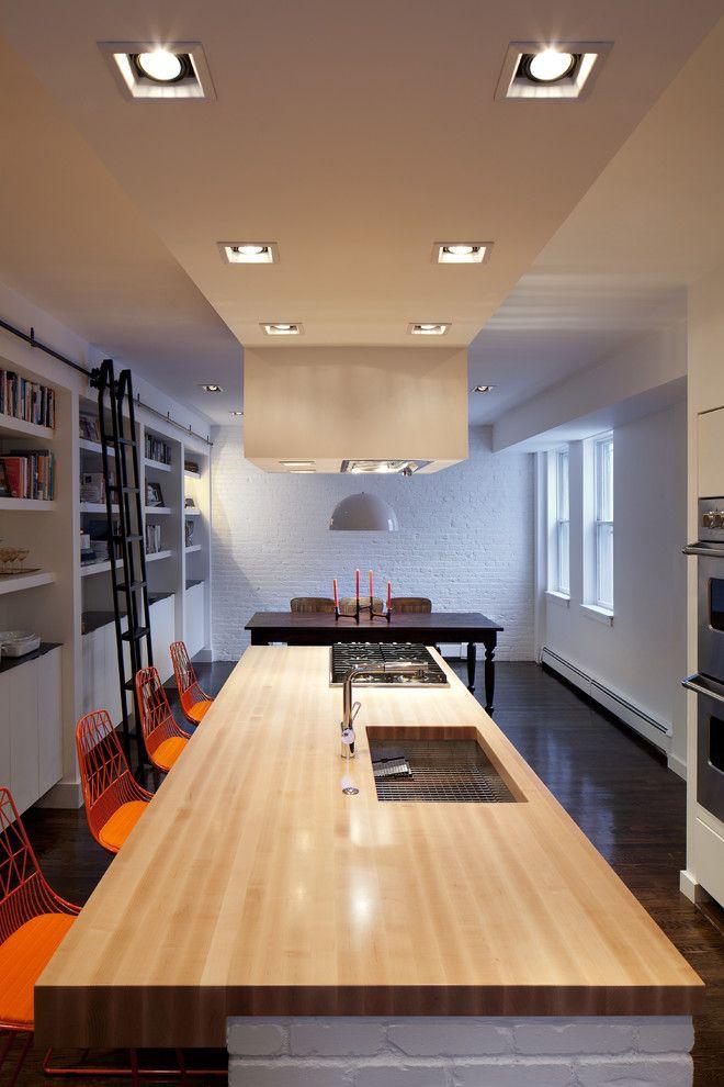 Потолочные светильники в интерьере кухни