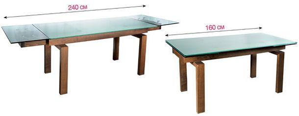Стол изготовлен из прозрачного стекла и вишневого дерева