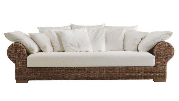 Плетена градински диван