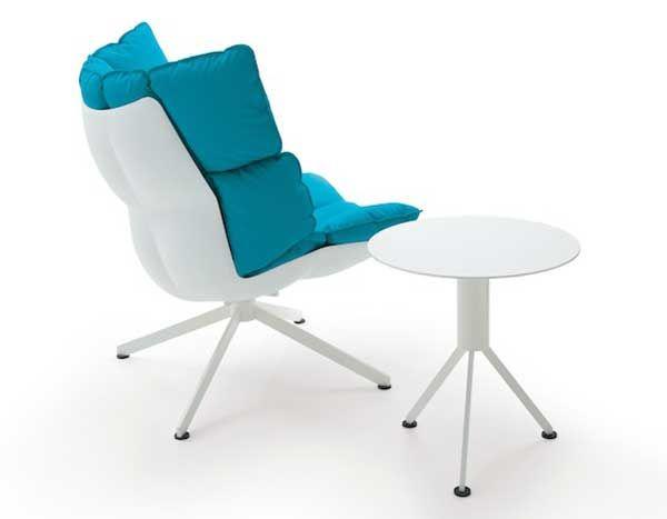 Чудесный столик и кресло