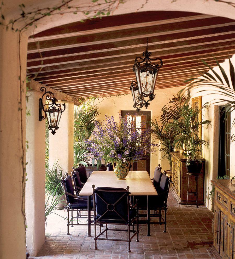 Потрясающий подвесной кованый абажур в интерьере