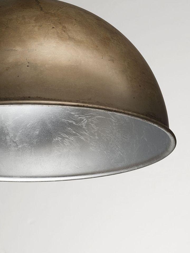 Серебрянная фольга во внутренней отделке плафона светильника Galileo