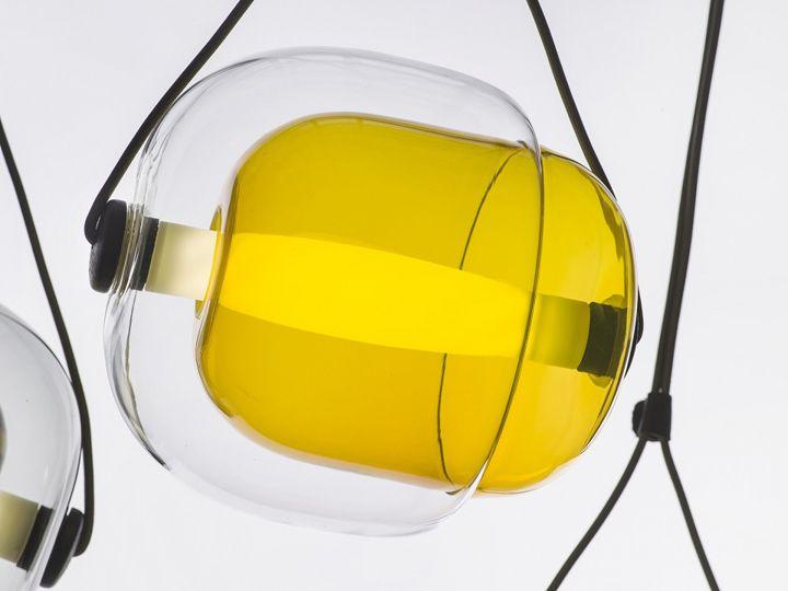 Красивый подвесной светильник Capsula от Lucie Koldova