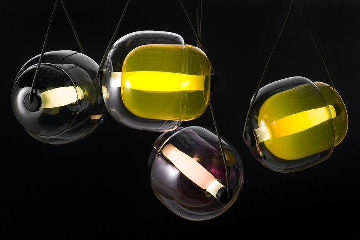 Уникальные подвесные светильники Capsula от Lucie Koldova