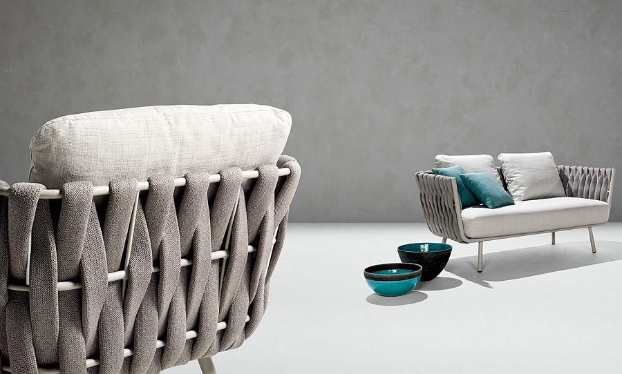 Original lenestol og sofa med dekorative elementer