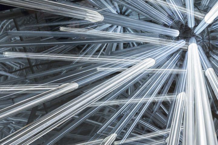 Лучи светильника Big Bang от венского дизайнера Hans Kotter, Австрия