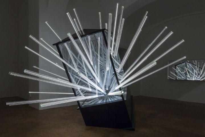 Необычный лучистый светильник Big Bang от венского дизайнера Hans Kotter, Австрия