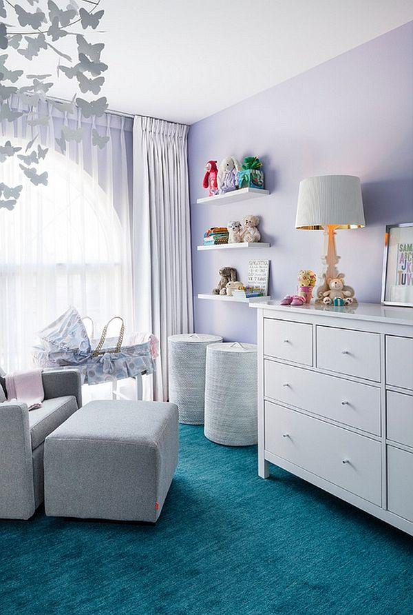 Красивая настольная лампа в дизайне интерьера