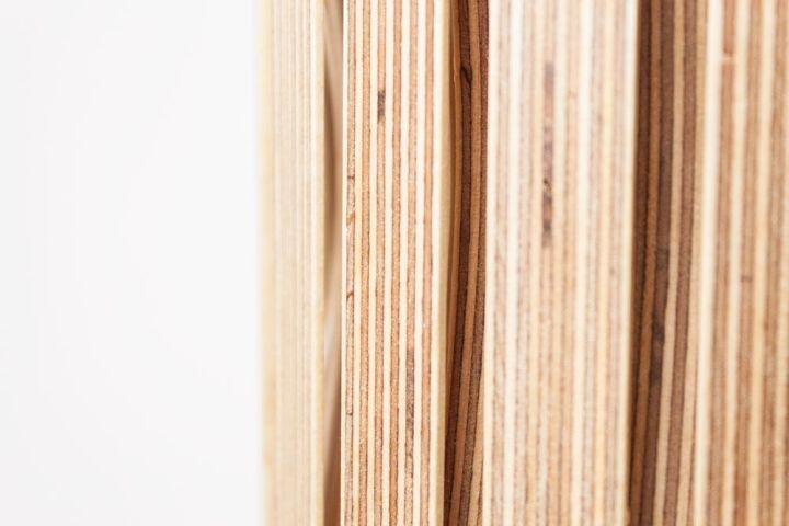 Плетение из фанеры светильника Upcycle от Benjamin Spoth