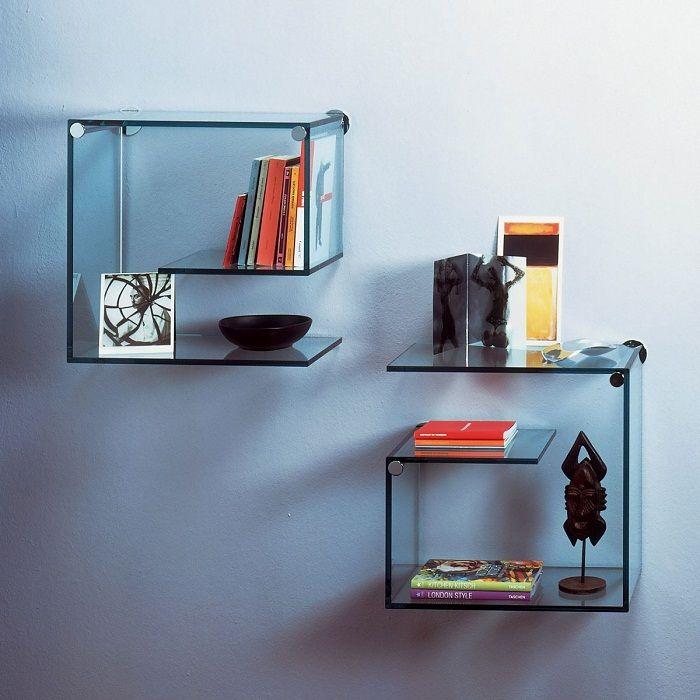 Стъклените рафтове са изгодно решение за всеки интериор.