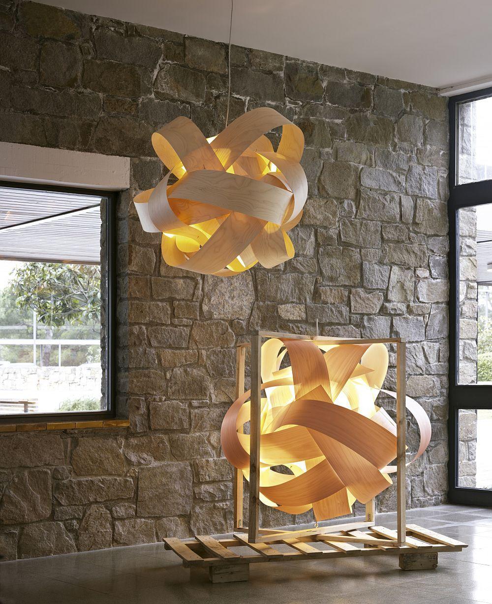 Превосходный скульптурный подвесной светильник из древесины