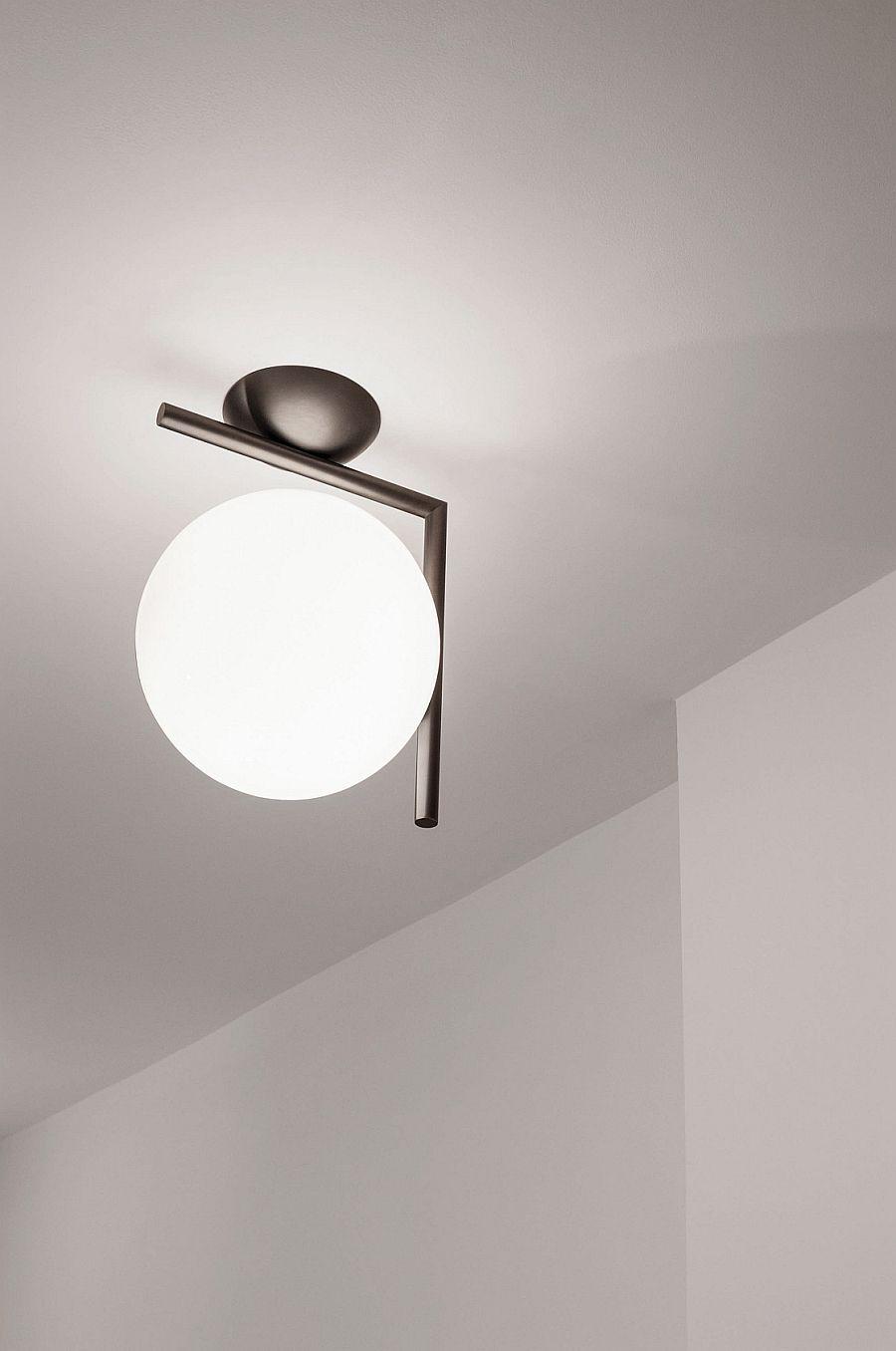 Потолочный светильник необычной формы
